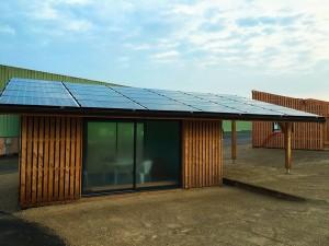 La Solaire Box 20 m² intègre une extension de toit